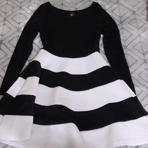 Dresses & Skirts - Long sleeve formal black and white dress